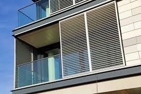 balkon jalousie sonnenschutz für die wohnung mit outdoor jalousien