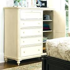 Dressers For Small Bedrooms Brilliant Small Bedroom Dresser Chest Bedrooms At Dressers For