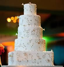 hochzeitstorten deko kuchen dekorieren rat layered weiße hochzeitstorte deko ideen