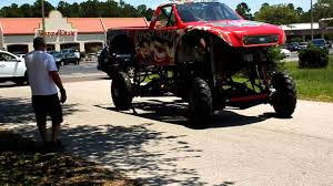 bigfoot monster truck youtube gunslinger monster truck loading up youtube