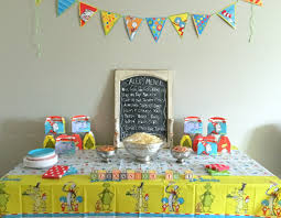 how to throw a dr seuss themed birthday party