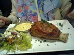 cuisiner un jambonneau jambonneau sauce béarnaise picture of la cafetaria liege