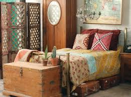 la chambre en espagnol décoration chambre en bois exotique 93 11100339 porte