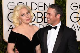 lady gaga wins a golden globe forgets to thank taylor kinney
