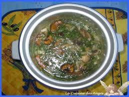 cuisiner avec un rice cooker recette de riz et de chignons au rice cooker la cuisine