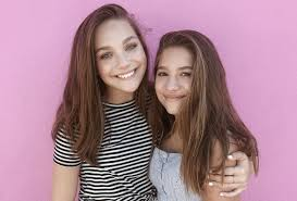 Challenge In Mo Maddie And Mackenzie Ziegler Take On The Mo Guys In A Rubber