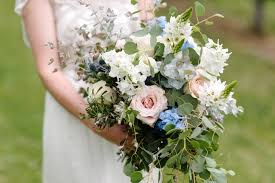 cost of wedding flowers what s the average price of wedding flowers