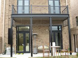terrasse suspendue en bois balcon et structure en acier pour habiller votre extérieur