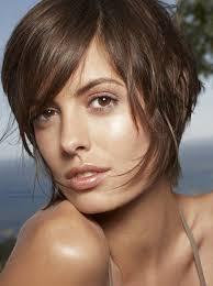 simulateur coupe de cheveux femme court déstructuré et nuque fondue longue et structurée avec des