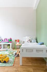 repeindre une chambre le magazine ripolin repeindre un lit c est facile