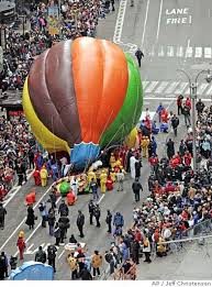 balloon mishap mars macy s parade contraption crashes into