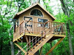 Backyard Treehouse Ideas Waterproofing Your Treehouse I Love The Idea Of That Top