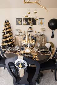 black and gold tablescape table decorations c