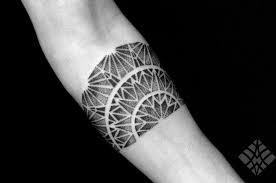 geometrical tattoo by brian gomes tattoomagz