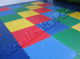 tappeti in gomma per bambini pavimentazione antitrauma per interno