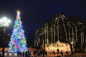 Deer Christmas Lights Rock Oak Deer Alamo Plaza Lights Up For The Holidays