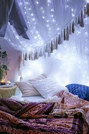 Hanging Christmas Lights In Bedroom by 25 Best Fairy Lights Ideas On Pinterest Room Lights Bedroom