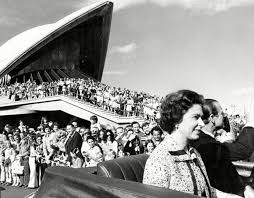 Queen Elizabeth Ii House In Pictures The Queen U0027s Visits To Australia Over The Years