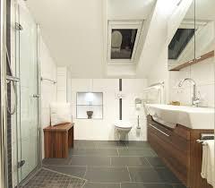 Badezimmer Umbau Ideen Kleines Badezimmer Einrichten Dachschrge Duschkabine 15042017