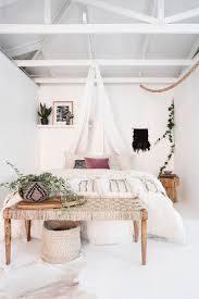 Schlafzimmer Kalte Farben Schlafzimmer In Weiß Ideen Wie Der Raum Freundlich Und Hell Wirkt