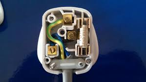 how to wire a 3pin plug uk wiring a plug youtube
