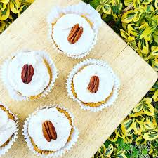 raw vegan carrot cake cupcakes hannahs healthy eats