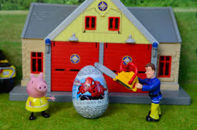 peppa pig epsiode spiderman surprise egg chainsaw fireman sam