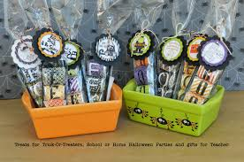 Teacher Halloween Gifts Halloween Hershey Nugget Treats For Party Favors Trick O Treaters