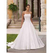 strapless simple beach wedding dress with a line ipunya