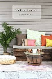 Cushions For Pallet Patio Furniture by Diy Pallet Sectional For Outdoor Furniture Like The Yogurt