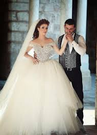 Wedding Dress Quotes Off Shoulder Pearls Ball Gown Wedding Dresses Lace Up Back Tiers