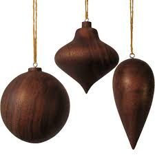 walnut ornaments design sponge