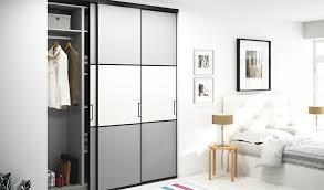 placard rangement chambre portes de placard coulissantes sur mesure avec placard rangement