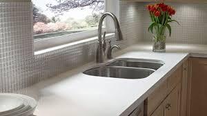 comptoir de cuisine quartz blanc quartz ou granit mon coeur balance