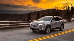 mud jeep cherokee 2019 jeep cherokee finally corrects the headlamp horror slashgear