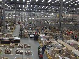 amazon warehouse black friday number of shopping trips falls despite black friday boost