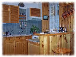 cuisine lambris transformation d une cuisine murs meubles eléonore déco hérault