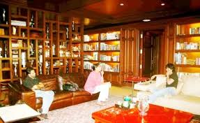 shahrukh khan home interior shah rukh khan s house mannat photos price interior more