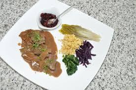 cerf cuisine filet de cerf sauce forestière les recettes de cuisine
