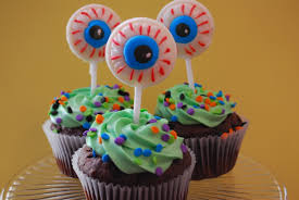 alien eyeball cupcakes the domestic rebel