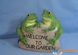 frog garden ornaments for the garden buy animal ornaments uk
