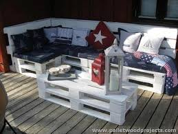 Outdoor Pallet Table Couches Made With Wood Pallets Pallet Wood Projects