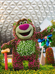 Flower Topiary Amazing Gardens Disney In Living Color Plants Gardens And Shrub