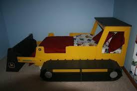 themed toddler beds tractor toddler bed frame bed frame katalog a3b5fe951cfc