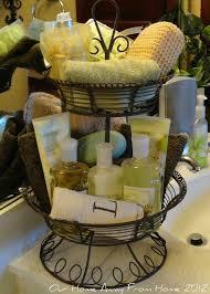 Bathroom Basket Storage by Best 20 Wedding Toiletry Basket Ideas On Pinterest Wedding