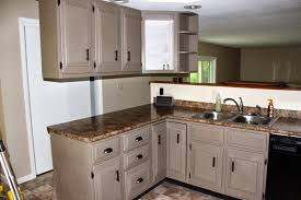Painting Kitchen Cabinets Diy How I Painted My Kitchen Cabinets - Painting kitchen cabinets white with chalk paint