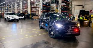 cars ford explorer explorer police interceptor still outselling ford taurus police