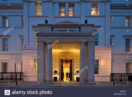 lanesborough hotel entrance on knightsbridge elevation