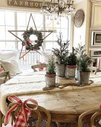 rustic star with a christmas wreath farmhouse decorating ideas