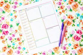 an organized grocery list and free printables